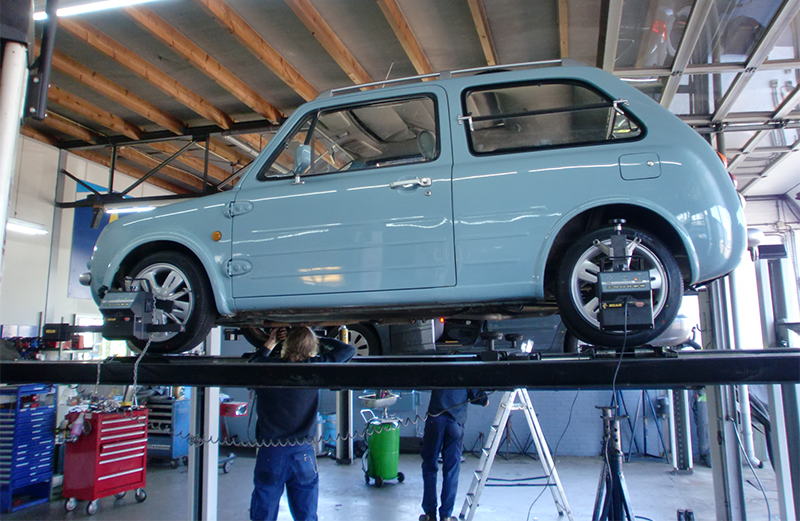 Auto Louwes - nieuwe en gebruikte auto's - Schadeherstel werkplaats